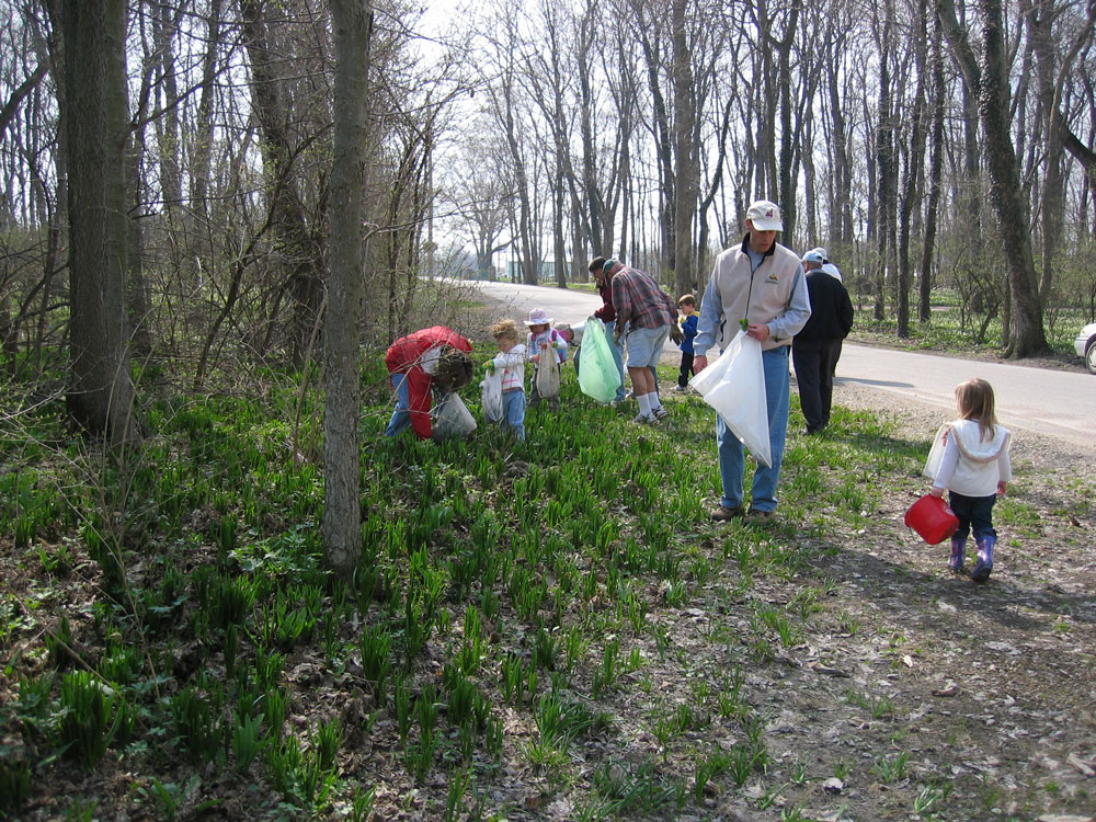 Spring Cleaning at Ladd Carr Wildlife Woods